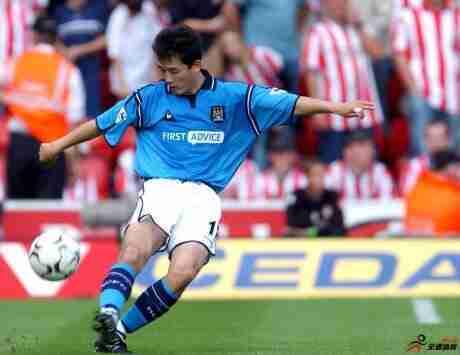 19年前,两位中国球员李铁和孙继海同时上演英超首秀