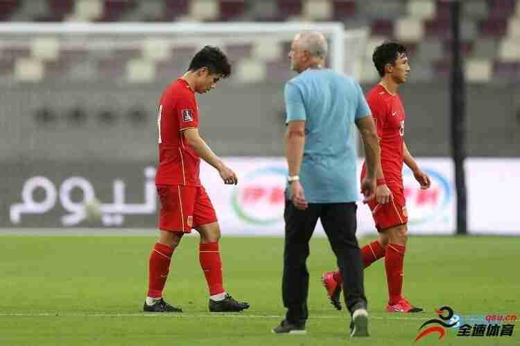 中国队即使有归化球员,他们的表现和之前没什么两样